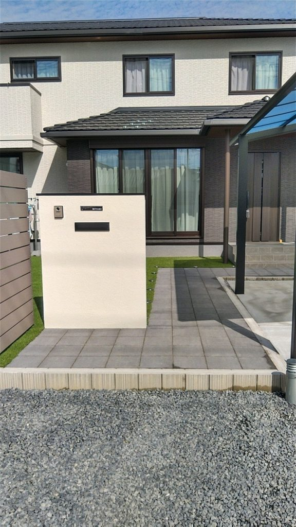 【お客様の声】岡山市北区新築エクステリア(アプローチ・カーポート・目隠しフェンス)